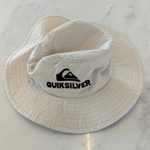 sale retailer df850 65c75 Quiksilver Infant hat
